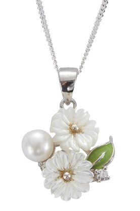 """18"""" Pearl & Mother of Pearl Flower Pendant"""