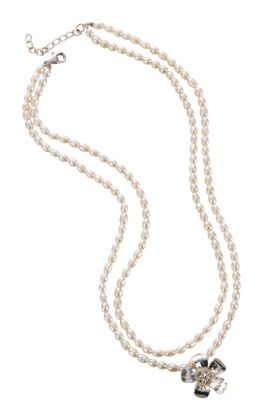 """16"""" Seed Pearl Flower Necklace."""