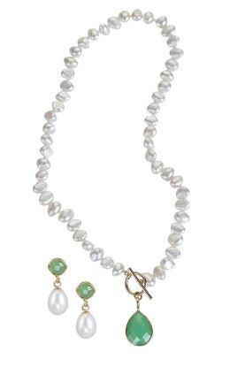 Pearl and Onyx Green Drop Necklace with Teardrop Pearl Earrings Set