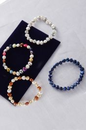 Colourful Pearl Bracelet group